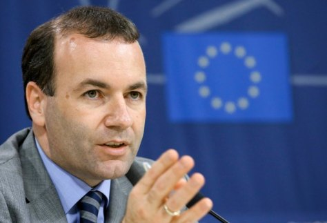 "FILE - New Chairman of the EPP Group (European People's Party) in the European Parliament, Manfred Weber gives his first press conference after a meeting with European Council President van Rompuy, at the EU Parliament in Brussels, Belgium, 12 June 2014. EPA/OLIVIER HOSLET (zu dpa ""EVP-Fraktionschef Weber: Deutschland sollte Pkw-Maut 2016 einführen"") +++(c) dpa - Bildfunk+++"