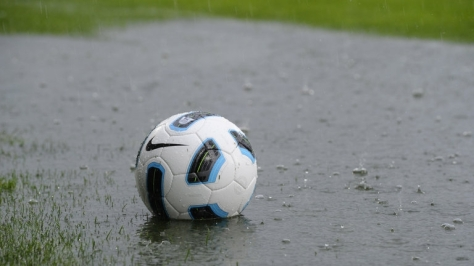 football-in-the-rain