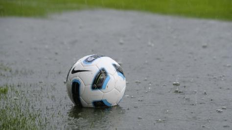 football-in-the-rain